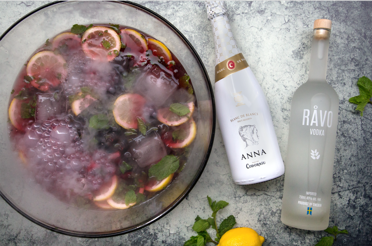 <p><strong>Ingredients</strong></p><p>1.25 cups RÅVO vodka<br>.5 cup simple syrup<br>1 cup lemon juice<br>1 cup Anna de Codorniu Blanc de Blanc Cava<br>Blackberries<br>Mint</p><p><strong>Instructions</strong><br>In a punch bowl, combine blackberries, lemon juice, and simple syrup; lightly crush berries to release their juice. Add ice and vodka; top with cava. Stir to combine. Garnish with mint.</p>