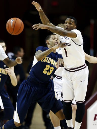California's Allen Crabbe (23) and Arizona State's Jahii Carson (1) battle for the ball during the first half of an NCAA college basketball game, Thursday, Feb. 7, 2013, in Tempe, Ariz. (AP Photo/Matt York)
