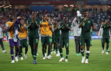 Soccer Football - World Cup - Group D - Croatia vs Nigeria - Kaliningrad Stadium, Kaliningrad, Russia - June 16, 2018 Nigeria players applaud the fans after the match REUTERS/Ivan Alvarado