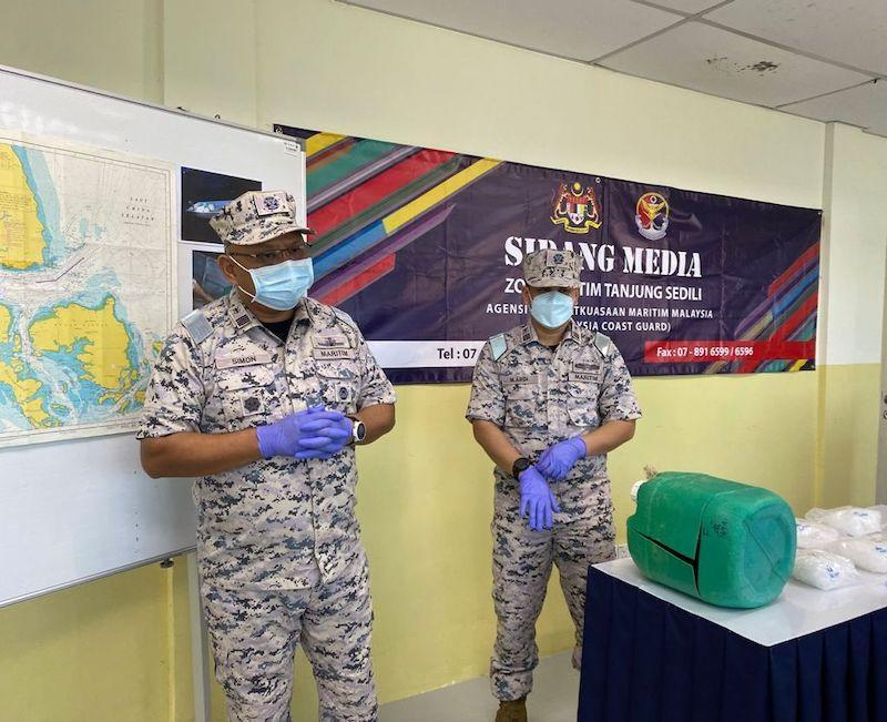 Johor Malaysian Maritime Enforcement Agency (MMEA) deputy director (operations) Maritime Captain Simon Templer Lo Ak Tusa said the illicit drugs were believed to be destined for a neighbouring country, September 17, 2021 — Picture courtesy of Johor MMEA