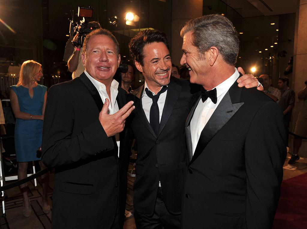 """<a href=""""http://movies.yahoo.com/movie/contributor/1800019043"""">Garry Shandling</a>, honoree <a href=""""http://movies.yahoo.com/movie/contributor/1800010914"""">Robert Downey Jr.</a> and <a href=""""http://movies.yahoo.com/movie/contributor/1800019113"""">Mel Gibson</a> attend the 25th American Cinematheque Award in Beverly Hills on October 14, 2011."""