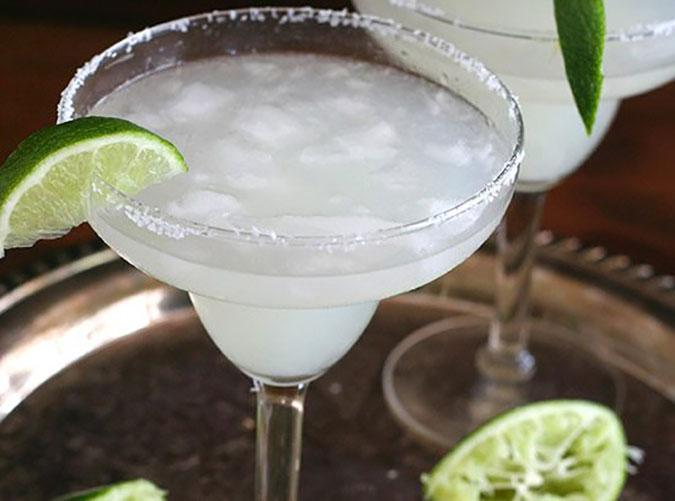 "<h2>1. Low Carb Margaritas</h2> <p>Shake, strain and sip.</p> <p><a class=""cta-button-link"" href=""https://alldayidreamaboutfood.com/low-carb-margaritas/"" target=""_blank"">Get the recipe</a></p>"
