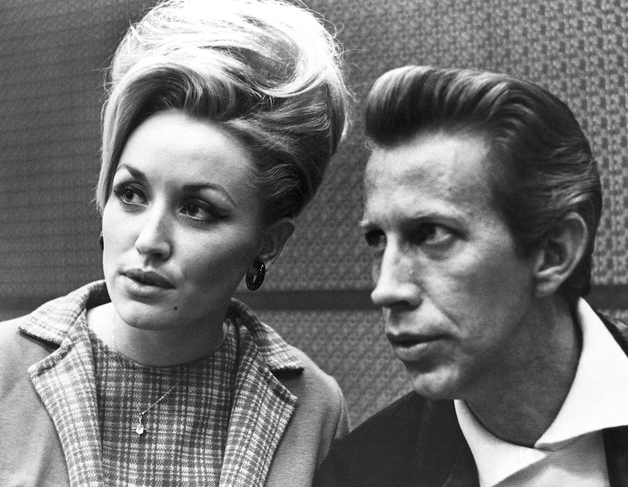 with fellow country singer Porter Wagoner.