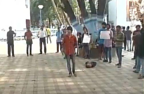 Jadavpur University students raise anti-India 'Azadi' slogans in Kolkata!