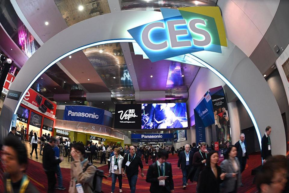 Attendees walk through the Las Vegas Convention Center January 10, 2020 on the final day of the 2020 Consumer Electronics Show (CES) in Las Vegas, Nevada. (Photo by Robyn Beck / AFP) (Photo by ROBYN BECK/AFP via Getty Images)
