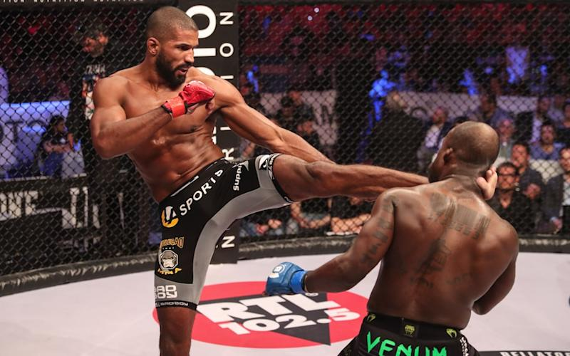 Carvalho knocks out Manhood