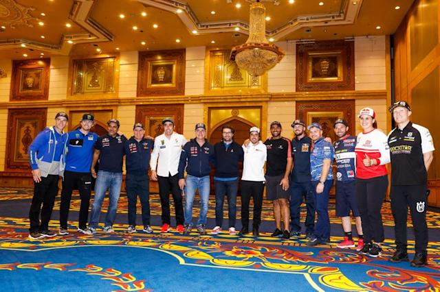 "Michael Metge, Sherco TVS Rally Factory, Adrien Van Beveren, Yamalube Yamaha Official Rally Team, Nasser Al-Attiyah, Toyota Gazoo Racing, Stephane Peterhansel, JCW X-Raid Team, Nani Roma, Borgward Rally Team, Carlos Sainz, JCW X-Raid Team, Castera David, director of the Dakar Rally, Fernando Alonso, Toyota Gazoo Racing, Yazeed Al Rajhi, Overdrive Toyota, Toby Price, Red Bull KTM Factory Team, Eduard Nikolaev, Team Kamaz Master, Ignacio Casale, Casale Racing - Dragon Rally Team, Laia Sanz, GAS GAS Factory Team, Andrew Short, Rockstar Energy Husqvarna Factory Racing <span class=""copyright"">A.S.O. </span>"