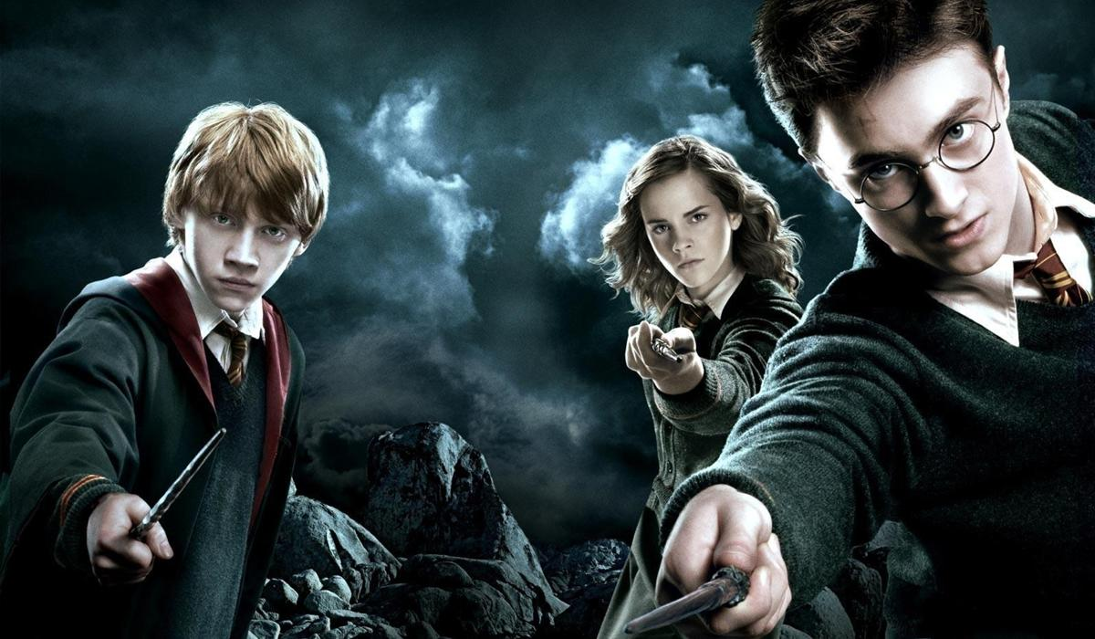 <p>Obviously, 'Harry Potter' finds his way into the top grossing UK summer blockbusters… and the first of the series to rear its head is 'The Order of the Phoenix'. Daniel Radcliffe returns as the iconic boy wizard, and in his fifth year at Hogwarts, he encounters the Order of the Phoenix – a secret organisation dedicated to stopping Voldemort at all costs… not to mention, bagging $49.4 million at the box office. </p>