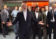 Iranian Foreign Minister Mohammad Javad Zarif arrives to the final plenary meeting at UN's IAEA headquarters in Vienna, Austria on July 14, 2015 (AFP Photo/Joe Klamar)