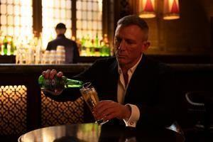Heineken® today reveals a new commercial concept in collaboration with Daniel Craig called 'Worth The Wait', which celebrates the highly anticipated release of the new James Bond film No Time To Die. The advert shows Daniel Craig waiting patiently for the first satisfying sip of an ice-cold Heineken® beer, an ode to fans who have eagerly awaited the next installment of the franchise and showing that the best things come to those who wait.