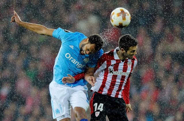 Soccer Football - Europa League Round of 16 Second Leg - Athletic Bilbao vs Olympique de Marseille - San Mames, Bilbao, Spain - March 15, 2018 Marseille's Rolando in action with Athletic Bilbao's Markel Susaeta REUTERS/Vincent West