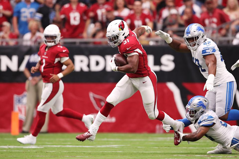 Running back David Johnson #31 of the Arizona Cardinals carries the ball against the Detroit Lions in the first quarter of the game at State Farm Stadium on September 08, 2019 in Glendale, Arizona. (Photo by Christian Petersen/Getty Images)