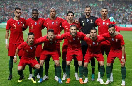 Soccer Football - International Friendly - Portugal vs Algeria - Estadio da Luz, Lisbon, Portugal - June 7, 2018 Portugal players pose for a team group photo before the match REUTERS/Rafael Marchante
