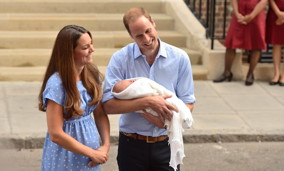 <p>The Duke and Duchess of Cambridge leave the Lindo Wing of St Mary's Hospital in London, with their newborn son, Prince George of Cambridge. (Photo by Dominic Lipinski/PA Images)</p>