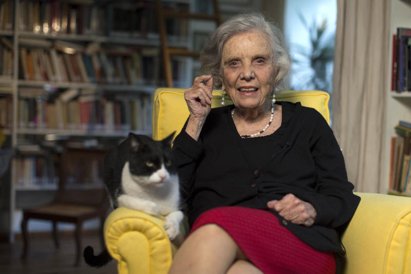"""cat Monsi, Poniatowska spoke about her latest novel """"Dos veces unica,"""" concerning the life of Lupe Marin, Diego Rivera's first wife. (AP Photo/Christian Palma)"""