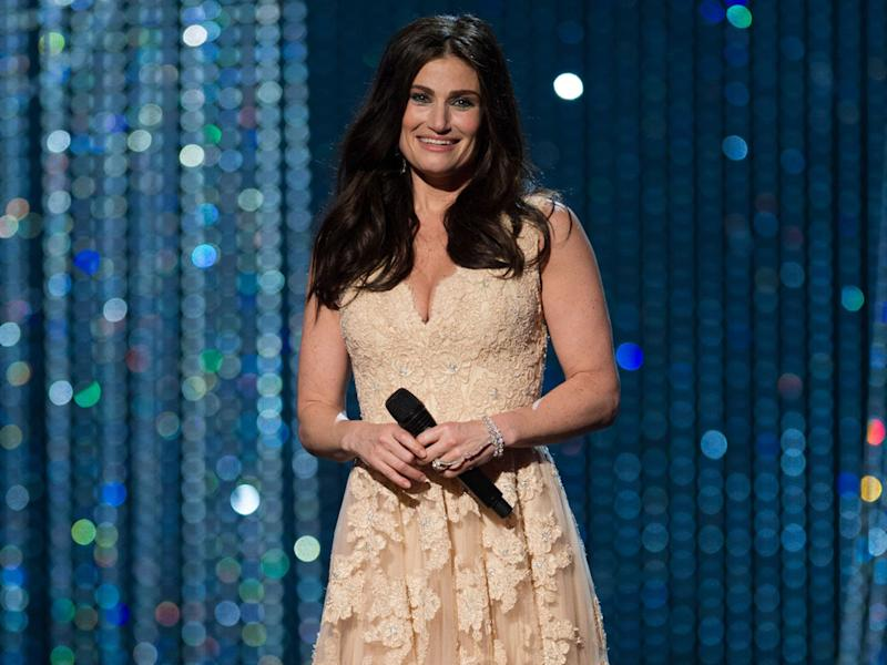 Idina Menzel: Dating sucks