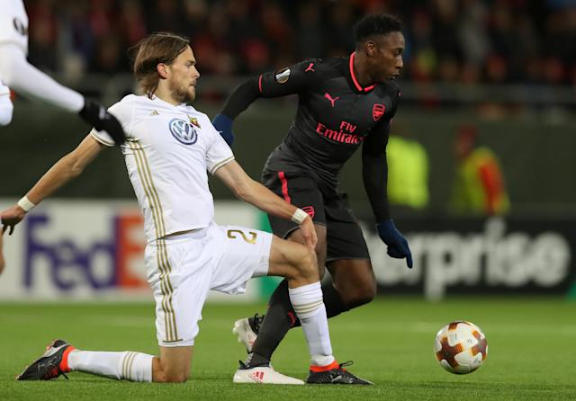Soccer Football - Europa League Round of 32 First Leg - Ostersunds FK vs Arsenal - Jamtkraft Arena, Ostersund, Sweden - February 15, 2018 Arsenal's Danny Welbeck in action with Ostersunds FK's Tom Pettersson Action Images via Reuters/Peter Cziborra