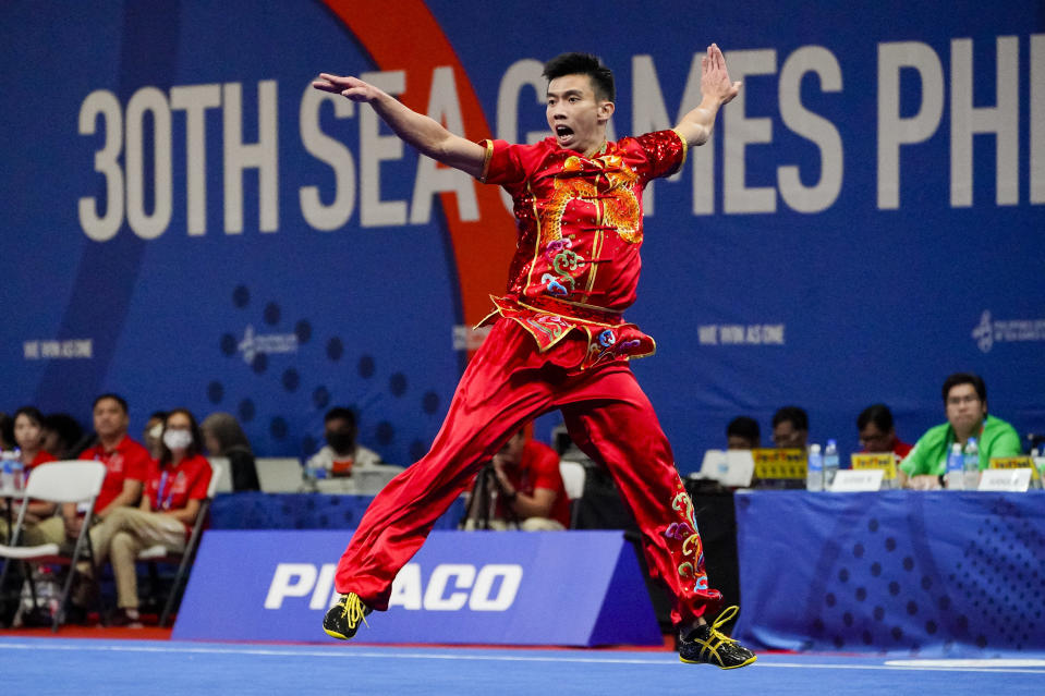 Singapore's wushu athlete Yong Yi Xiang in action in the men's changquan event, in which he won the gold medal. (PHOTO: SNOC/Kong Chong Yew)