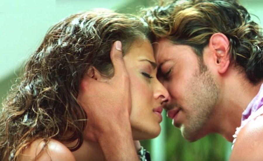 <p>1. Aishwarya Rai plays a con of sorts.<br />2. Both Aishwarya and Abhishek had key roles in this movie.<br />3. There was a poorly executed kissing scene that made the audience quite uncomfortable. </p>