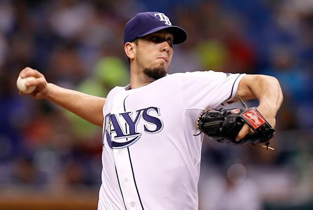 ST PETERSBURG, FL - JUNE 16: : Pitcher James Shields #33 of the Tampa Bay Rays pitches against the Miami Marlins during the game at Tropicana Field on June 16, 2012 in St. Petersburg, Florida. (Photo by J. Meric/Getty Images)