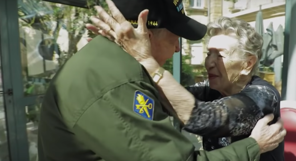 A WWII veteran was reunited with his long-lost love 75 years after they last saw each other. [Photo: France24]