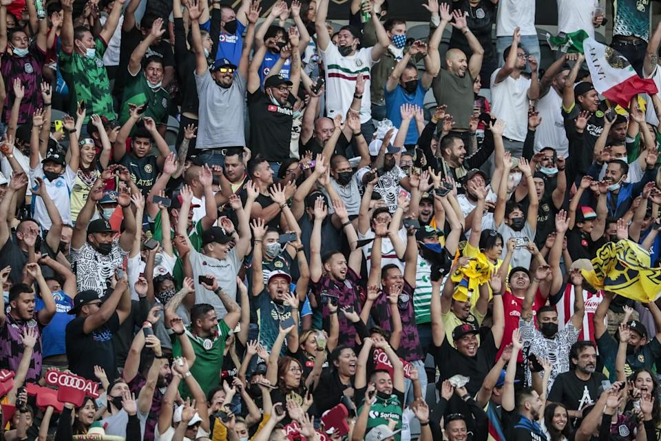 Fans do the wave at the MLS All-Star game
