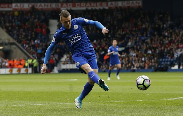 <p>Leicester City's Jamie Vardy scores their first goal </p>