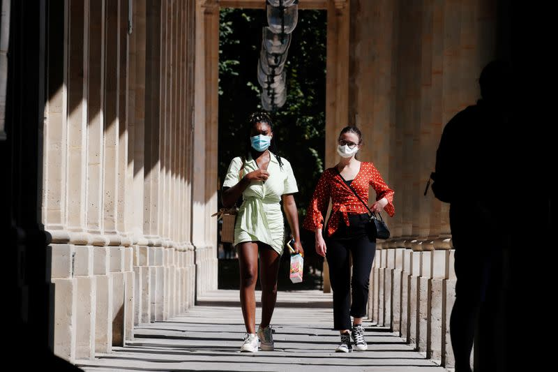 Paris imposes face mask order for outdoor markets, River Seine strollers