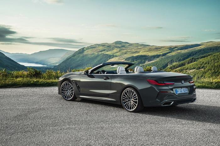 serie 8 bmw convertible 2019 p90327660 highres 700x467 c