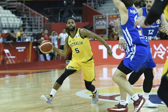 Australia's Patty Mills (C) led his team into the Basketball World Cup semis with a win over the Czech Republic (AFP Photo/WANG ZHAO)
