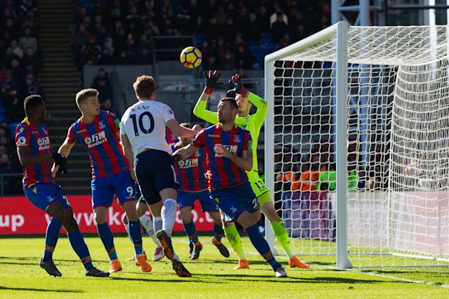 Tottenham Hotspur's Harry Kane scores the winner at Crystal Palace on Sunday. (Getty)