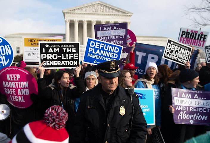 "Anti-abortion activists at the annual ""March for Life"" (AFP Photo/SAUL LOEB)"