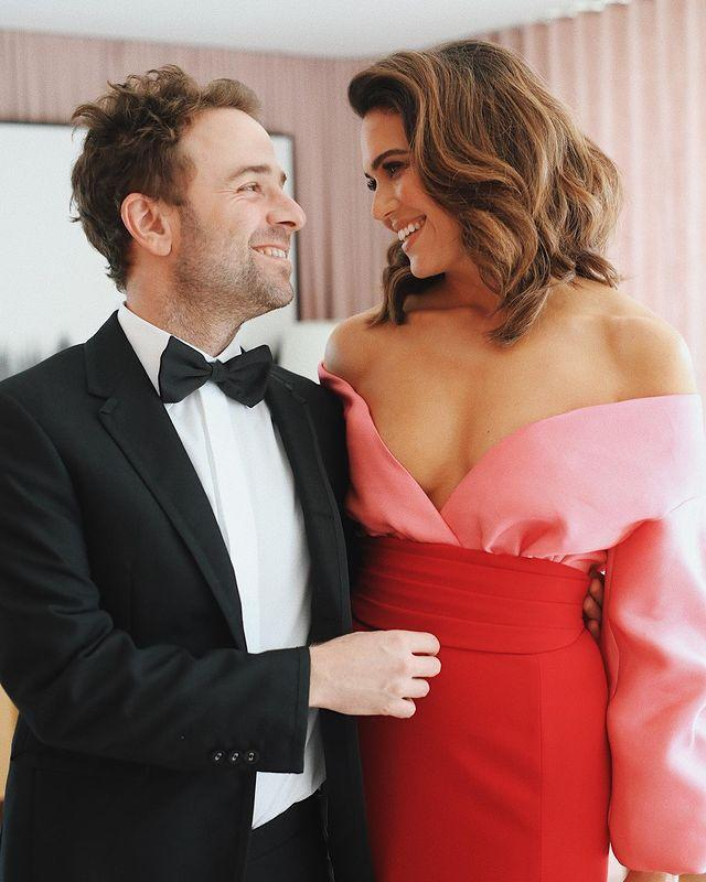 "<p><em>This Is Us</em> captured fans' attention and award season alike. Mandy got all kinds of support from her new hubby for her big night at the Emmys. Taylor shared a photo and gushed about his wife.</p><p>He wrote: ""If you have ever found yourself wondering who the luckiest guy in the world could possibly be, consider your question answered. I love you @mandymooremm. Amazing to watch you do your thing at the Emmys tonight. Couldn't have felt prouder. Thanks for letting me tag along.""</p><p><a href=""https://www.instagram.com/p/B2vSi6dnGes/"" rel=""nofollow noopener"" target=""_blank"" data-ylk=""slk:See the original post on Instagram"" class=""link rapid-noclick-resp"">See the original post on Instagram</a></p>"
