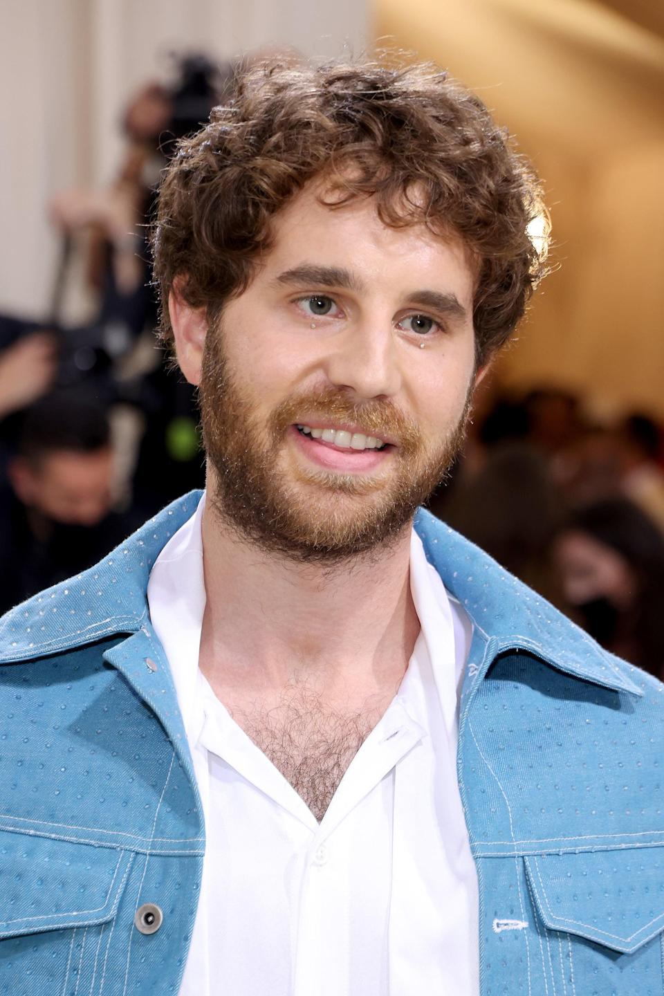 <p>Ben Platt showed us exactly how to take this Met makeup trend and try it IRL with two simple rhinestones added to both her his lower lashes. Blink and you'll miss this wonderful detail. </p>
