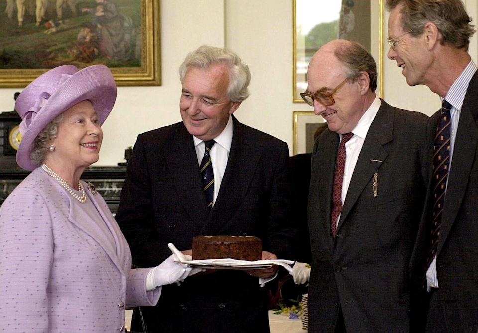 <p>The Queen gave a Dundee Cake, a traditional Scottish fruit cake, to members of Radio Four's sports commentator team. </p>