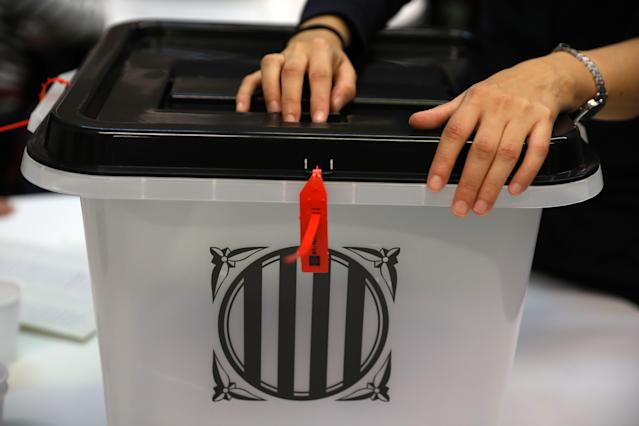 <p>A ballot box is closed at a polling station as voting continues in the referendum on Oct. 1, 2017 in Barcelona, Spain. More than five million eligible Catalan voters are estimated to visit 2,315 polling stations today for Catalonia's referendum on independence from Spain. (Photo: Dan Kitwood/Getty Images) </p>