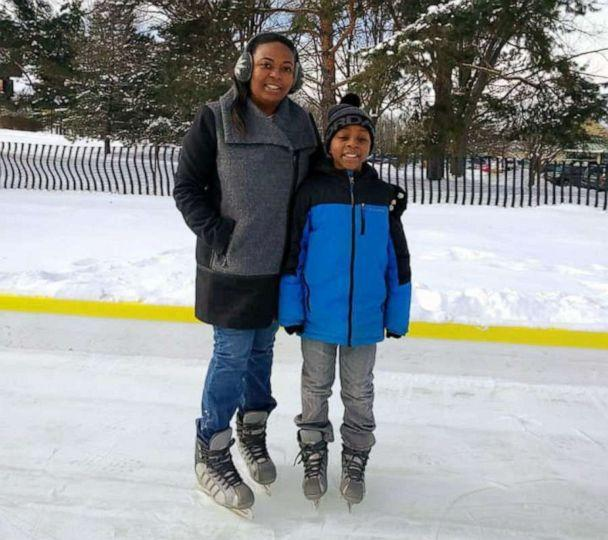 PHOTO: Chonce Rhea, of Chicago, poses with her 9-year-old son Jordan. (Chonce Rhea)