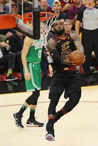 CLEVELAND, OH - MAY 19: LeBron James #23 of the Cleveland Cavaliers dunks the ball in the first half against the Boston Celtics during Game Three of the 2018 NBA Eastern Conference Finals at Quicken Loans Arena on May 19, 2018 in Cleveland, Ohio. (Photo by Gregory Shamus/Getty Images)