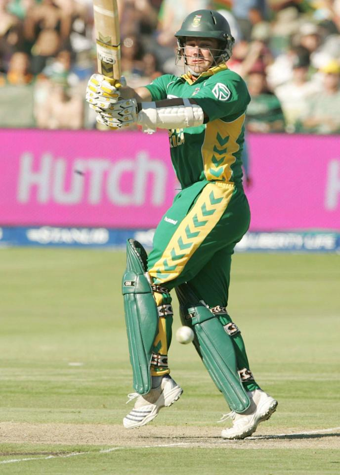 PORT ELIZABETH, SOUTH AFRICA - NOVEMBER 29, Mark Boucher in action in his 100th ODI during the Fourth ODI between South Africa and India, played at the Sahara Oval, St Georges on November 29, 2006 in Port Elizabeth, South Africa. (Photo by Gallo images/Getty Images)
