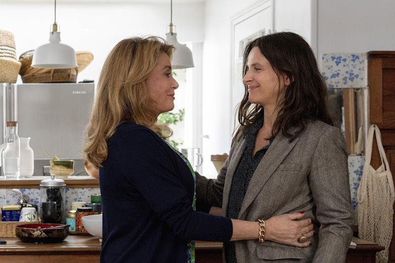 Fabienne, portrayed by Catherine Deneuve, and her daughter Lumir, portrayed by Juliette Binoche in The Truth, directed by Hirokazu Kore-eda.
