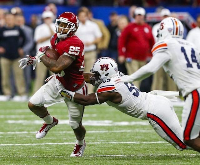 The New England Patriots have reportedly taken Joe Mixon off their draft board. (AP)