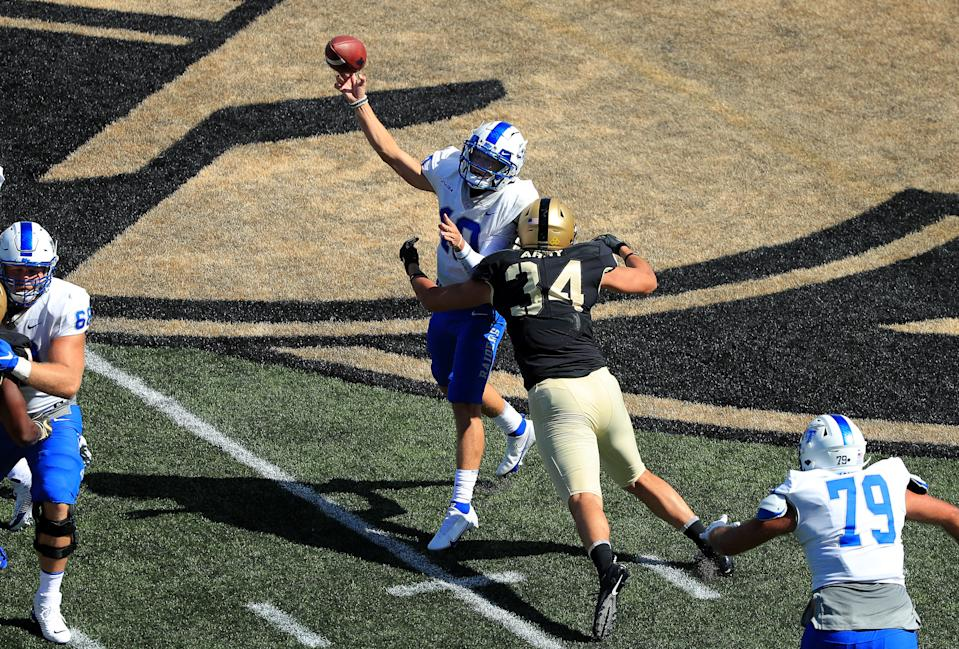 WEST POINT, NEW YORK - SEPTEMBER 05: Asher O'Hara #10 of the Middle Tennessee Blue Raiders passes in the first half against the Army Black Knights at Michie Stadium on September 5, 2020 in West Point, New York. (Photo by Mike Lawrie/Getty Images)