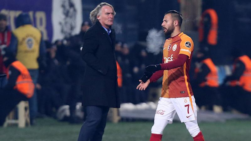 STSL Yasin Oztekin and Galatasaray coach Riekerink