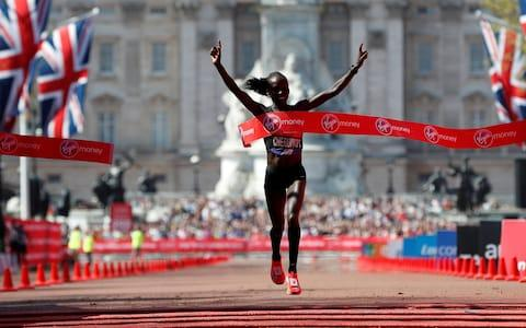 Vivian Cheruiyot wins the women's race - Credit: REUTERS