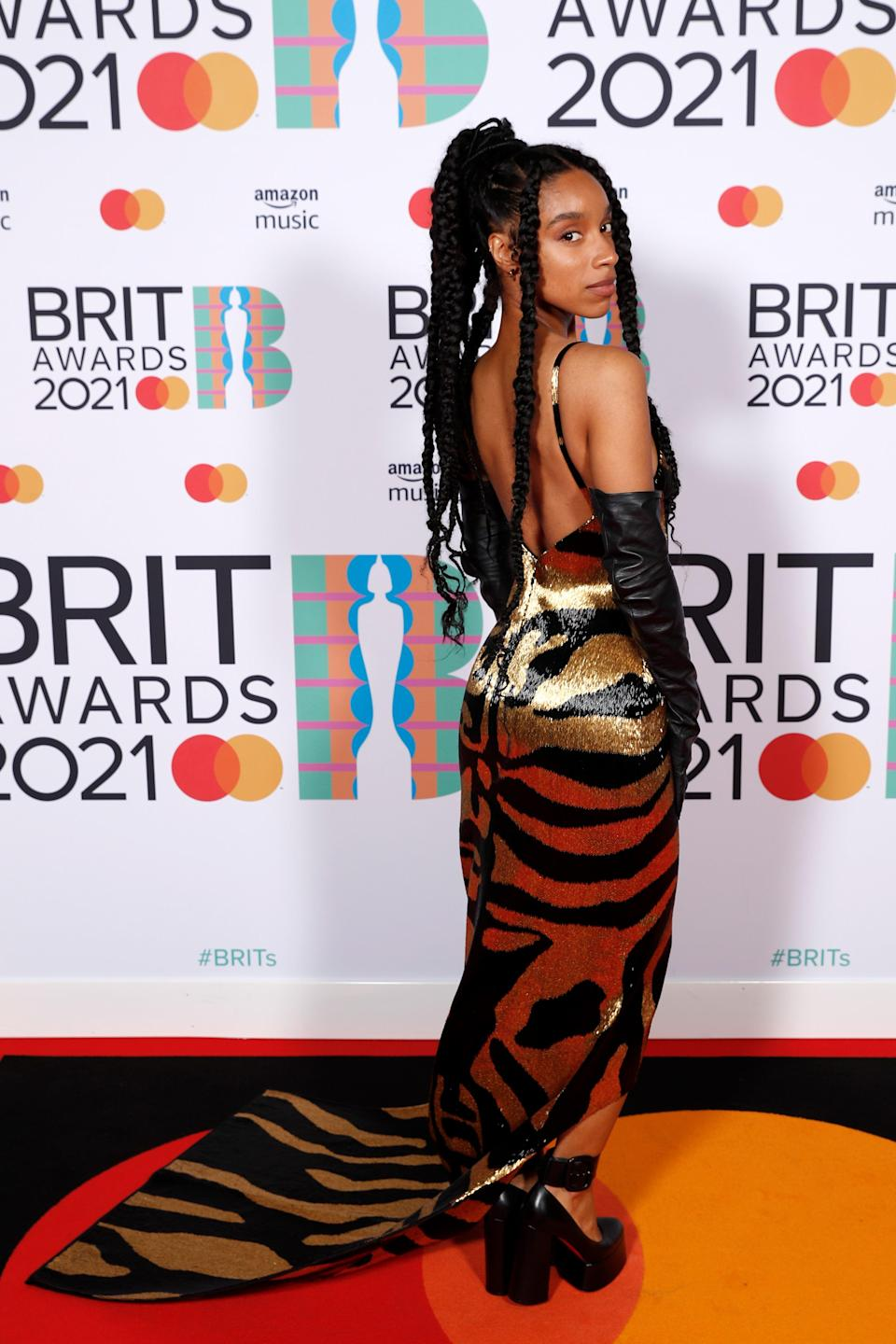 <h2>Lianne La Havas in Schiaparelli Haute Couture</h2><br>This is the only animal print we want to see on the red carpet, ever.