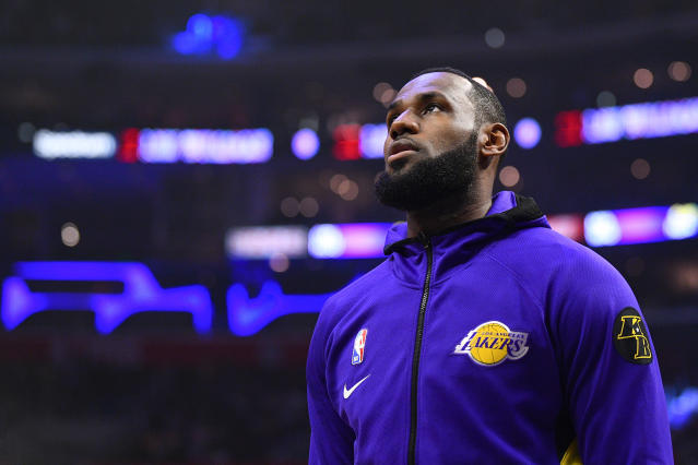 "<a class=""link rapid-noclick-resp"" href=""/nba/players/3704/"" data-ylk=""slk:LeBron James"">LeBron James</a> has reportedly begun to work out with his <a class=""link rapid-noclick-resp"" href=""/nba/teams/la-lakers/"" data-ylk=""slk:Lakers"">Lakers</a> teammates already. (Brian Rothmuller/Icon Sportswire via Getty Images)"