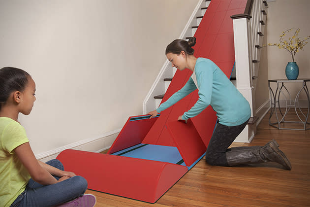 Kit turns a staircase into a slide