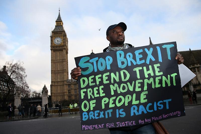 An anti-Brexit protest outside the Houses of Parliament in London on February 1, 2017 (AFP Photo/Daniel LEAL-OLIVAS)