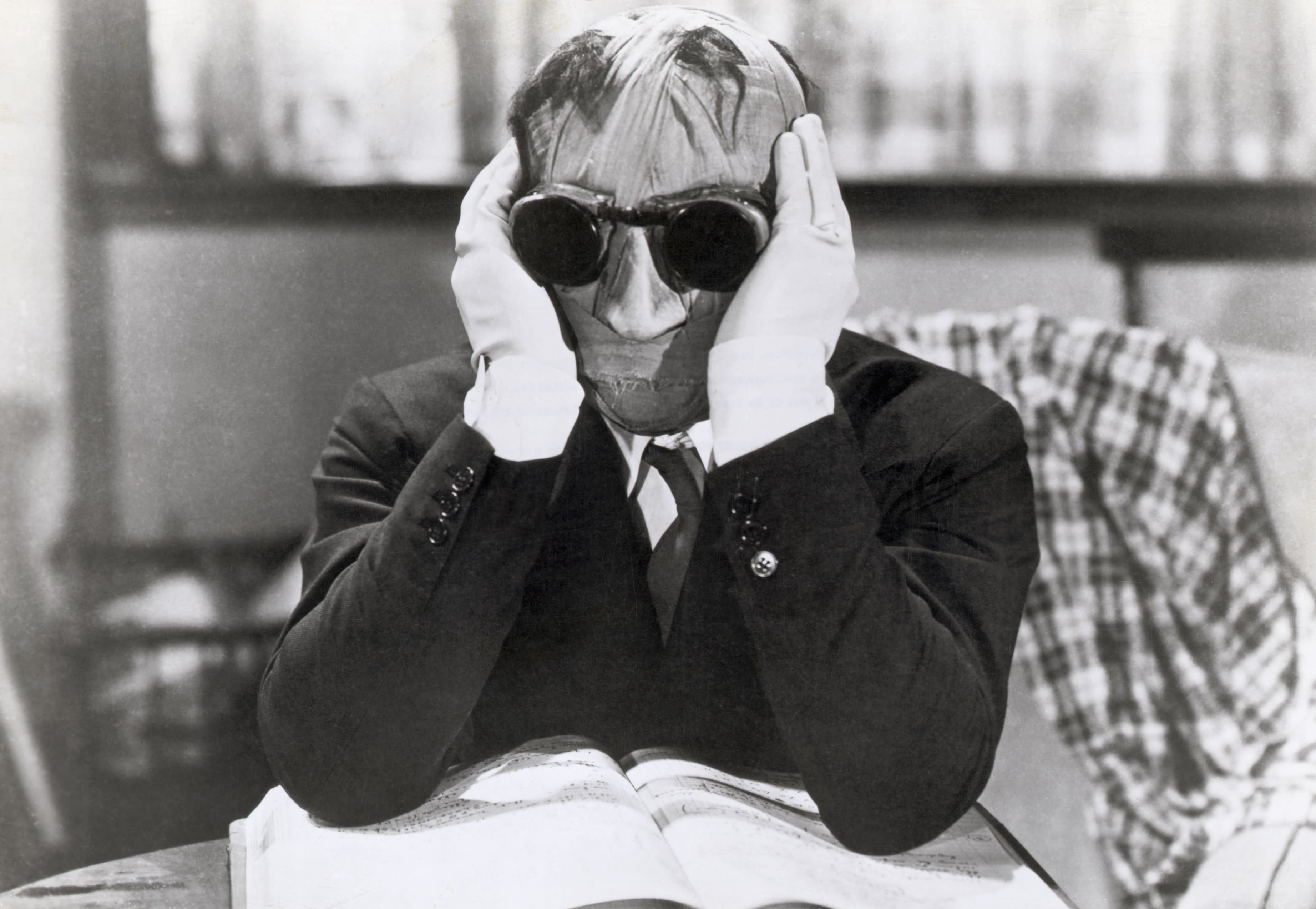 "(Original Caption) 1933- Claude Rains stars in the H.G. Wells classic thriller, ""The Invisible Man."""