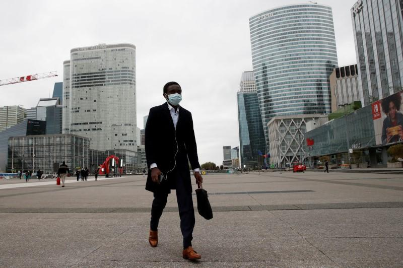Bonus ban could be tied to pandemic relief for banks - EU document